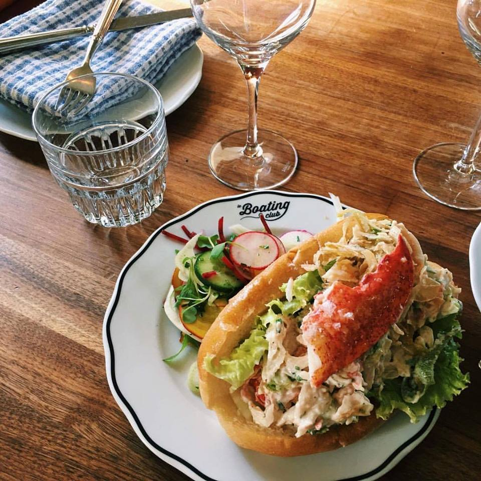 Le Boating Club   restaurant   30 Boulevard Curé-Labelle, Sainte-Rose, QC H7L 2Y9, Canada   4509373353 OR +1 450-937-3353