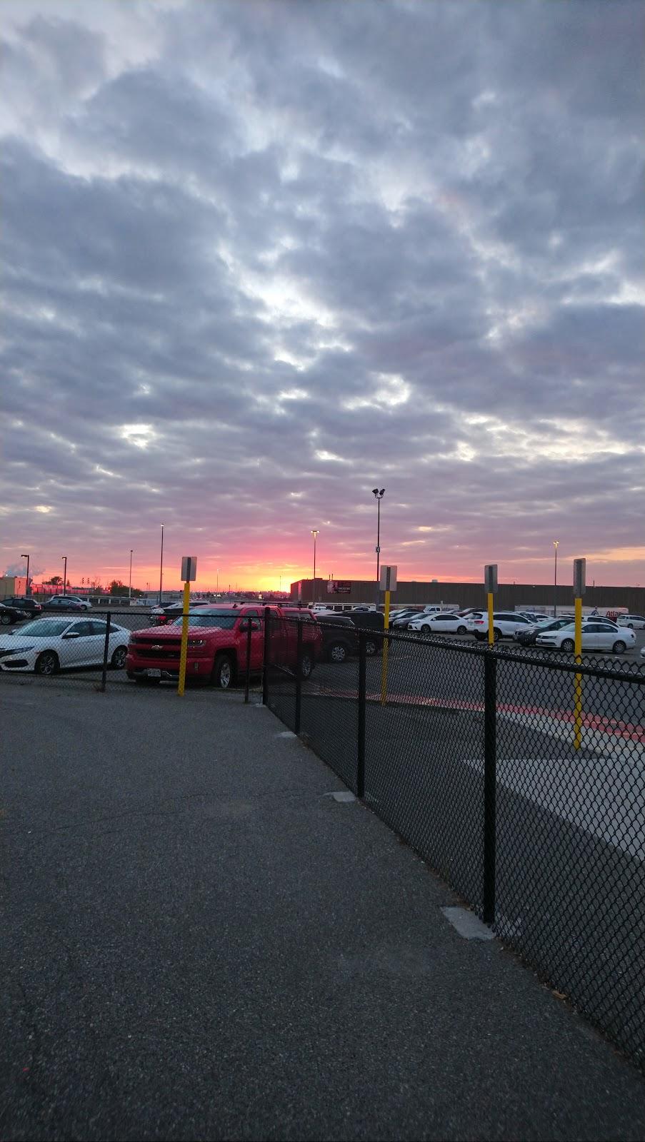 915 Bloor St W Parking   parking   915 Bloor St W, Oshawa, ON L1J 5Y7, Canada