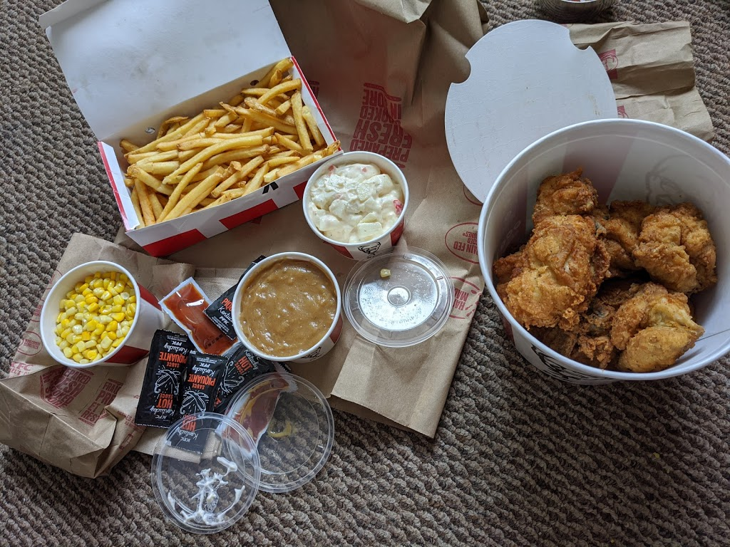 KFC | meal delivery | 1115 Confederation St, Sarnia, ON N7S 3Y5, Canada | 5197041941 OR +1 519-704-1941