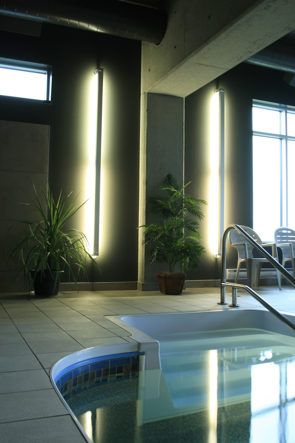 Grand Times Hotel - Québec | lodging | 5100 Boulevard des Galeries, Québec, QC G2K 2M1, Canada | 4183533333 OR +1 418-353-3333