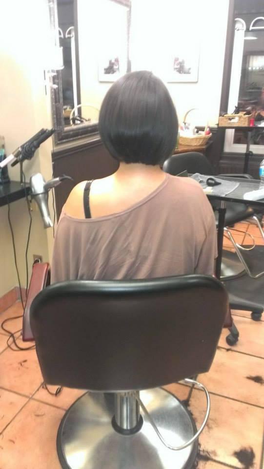 Micheles Salon   hair care   1070 Main St W, Hamilton, ON L8S 1B3, Canada   9055235449 OR +1 905-523-5449