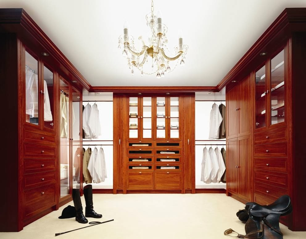 Komandor Canada Closets & Sliding Doors Inc.   point of interest   863 Rangeview Rd, Mississauga, ON L5E 1H1, Canada   9057660880 OR +1 905-766-0880