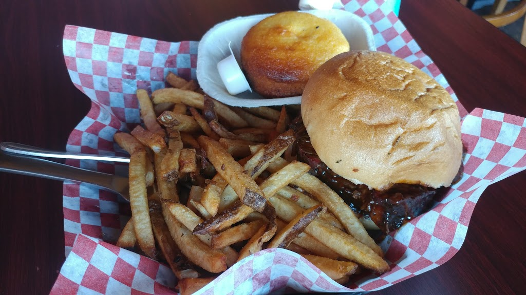 Hungry Hollow Smokehouse & Grille | restaurant | 136 Guelph St #4, Georgetown, ON L7G 4A5, Canada | 9058771400 OR +1 905-877-1400