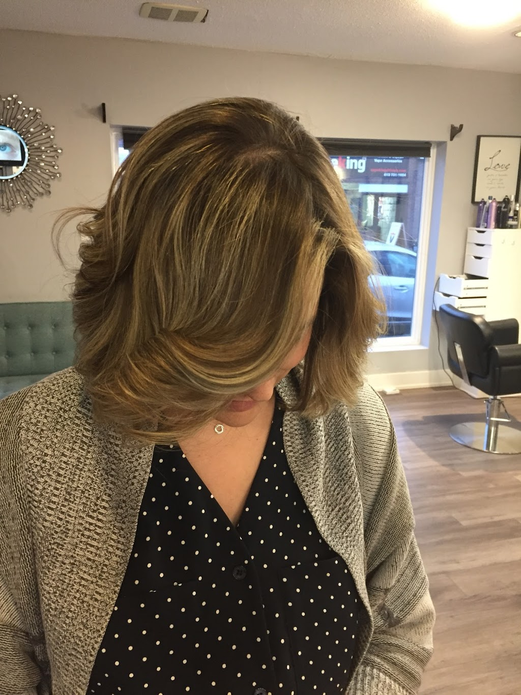 Unique Hair By Sam - Salon | hair care | 1223 Bank St, Ottawa, ON K1S 3X7, Canada | 6139798587 OR +1 613-979-8587