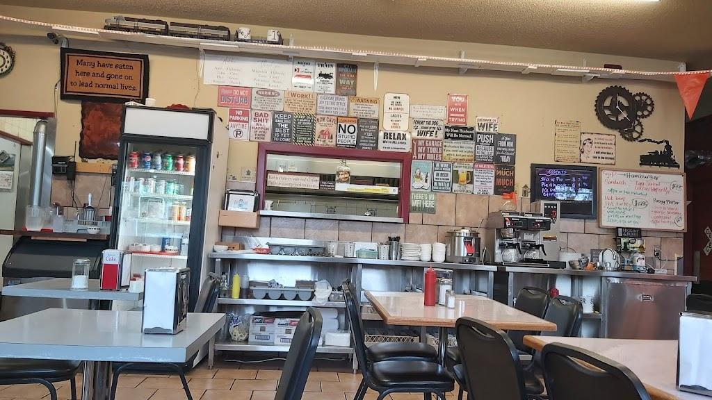 Litas Station | cafe | 904 E Saskatchewan Ave, Portage la Prairie, MB R1N 0K2, Canada | 2042401397 OR +1 204-240-1397