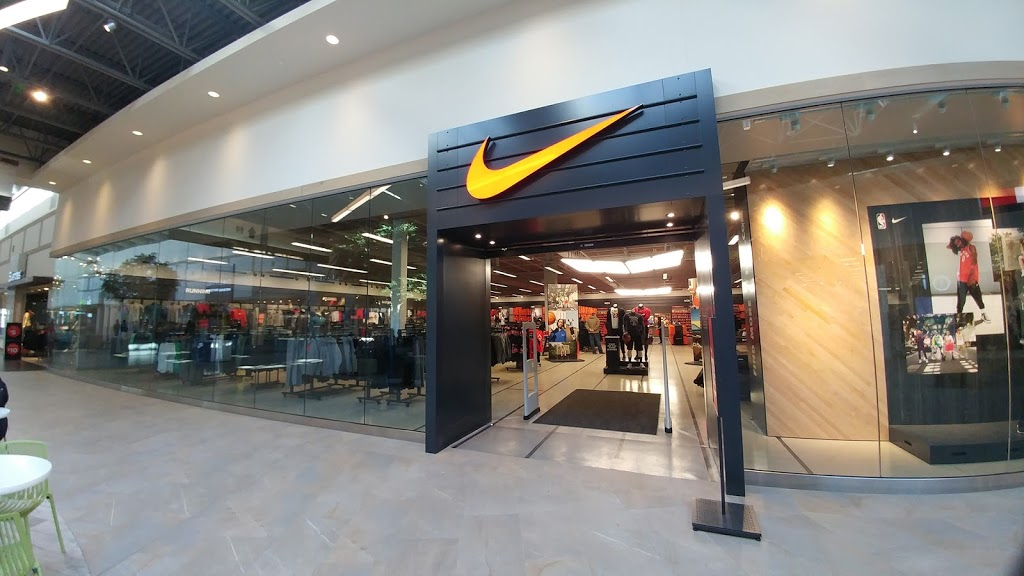 juez Supervivencia fuerte  Nike Factory Store, 555 Sterling Lyon Parkway Anchor F, Winnipeg, MB R3P  1E9, Canada