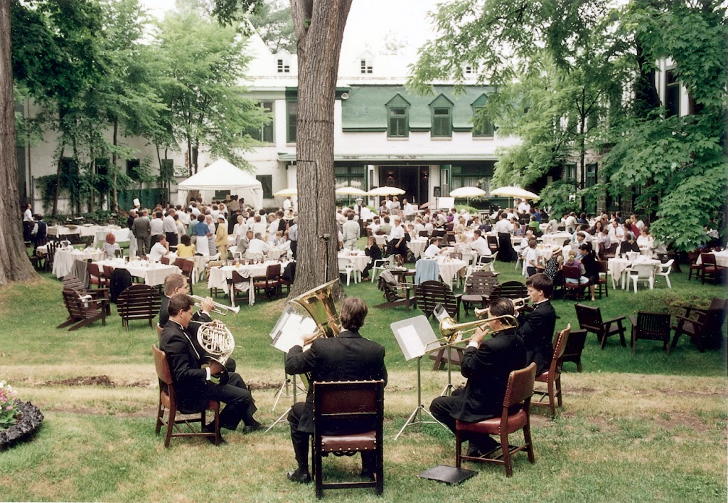 Cercle-de-la-Garnison-de-Québec Québec Garrison Club | museum | 97 Rue Saint Louis, Québec, QC G1R 3R2, Canada