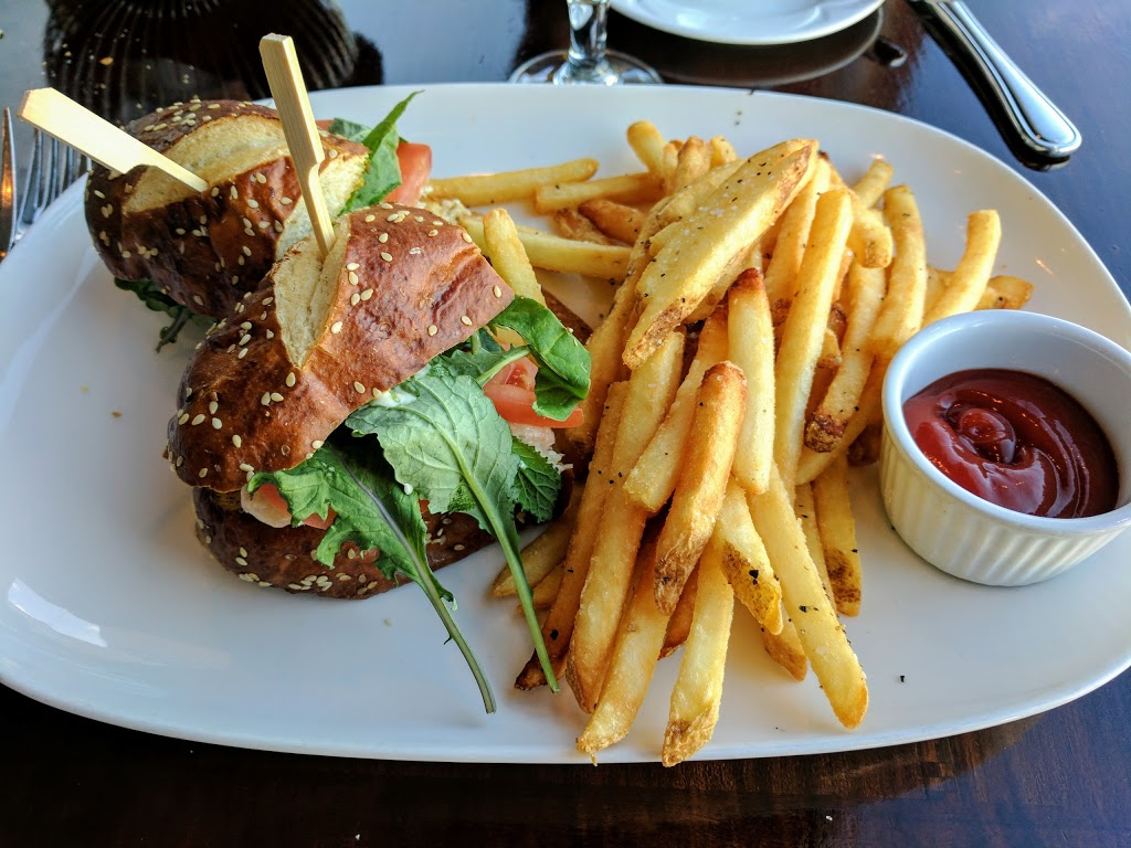 Blue Crab Seafood House   restaurant   146 Kingston St, Victoria, BC V8V 1V4, Canada   2504801999 OR +1 250-480-1999