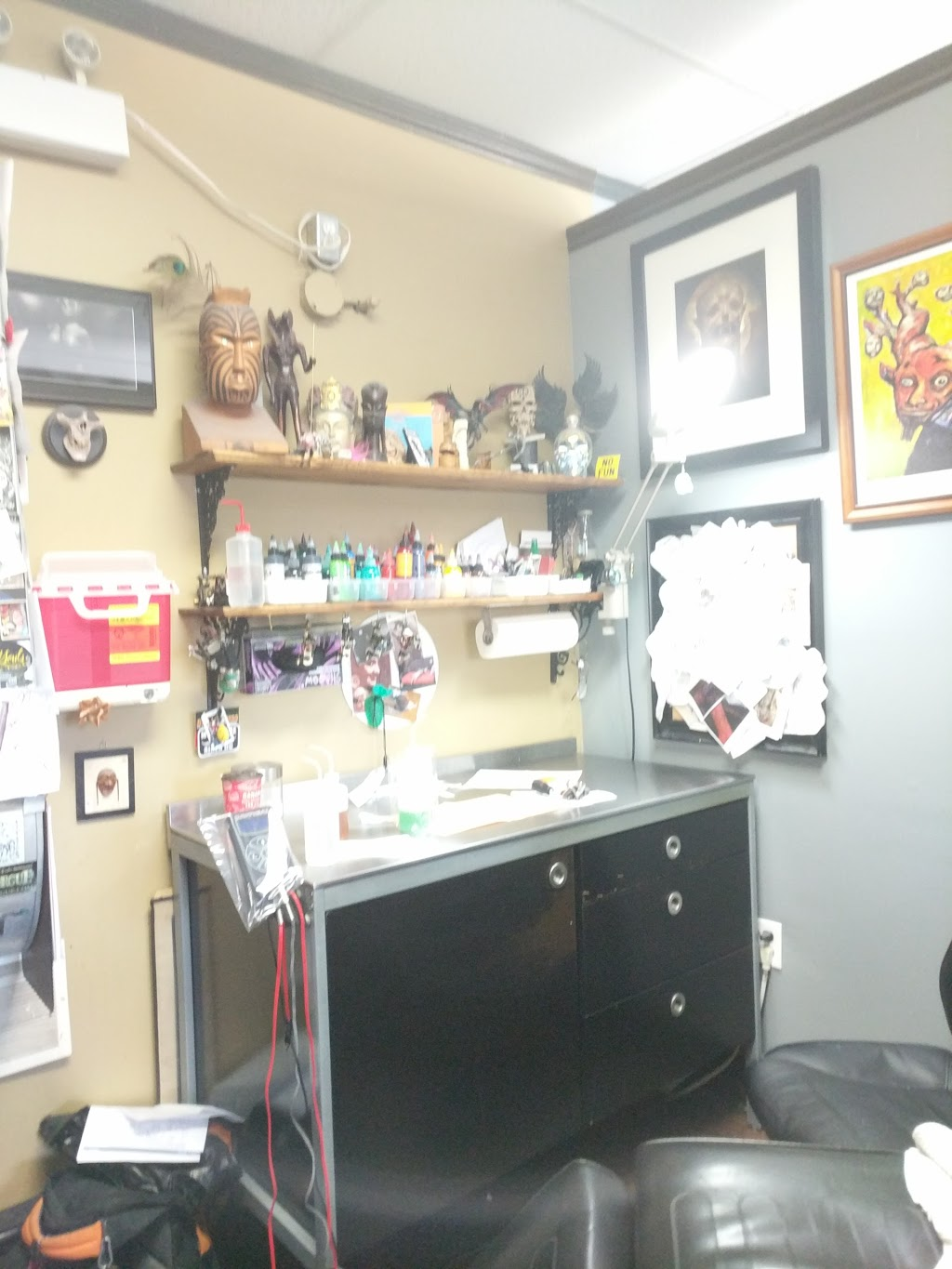 True Love Tattoo | store | 227 Wharncliffe Rd S, London, ON N6J 2L3, Canada | 5199361855 OR +1 519-936-1855
