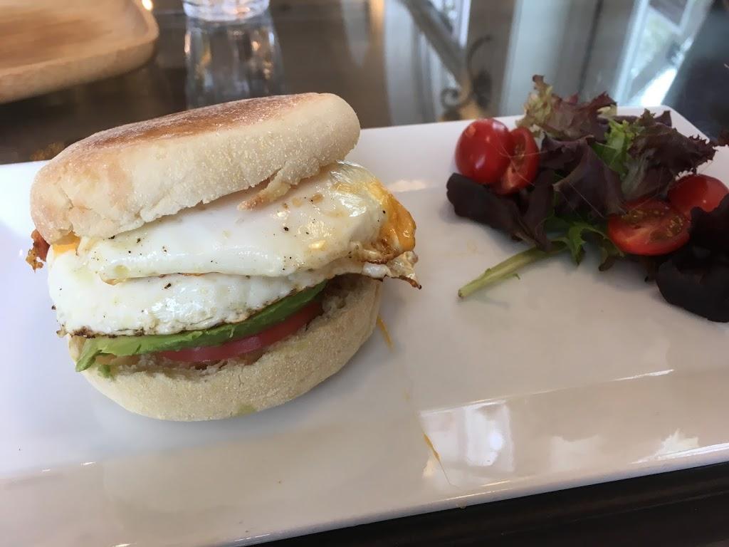 City Perks Coffeehouse | cafe | 801 7 Ave N, Saskatoon, SK S7K 2V5, Canada | 3066642060 OR +1 306-664-2060