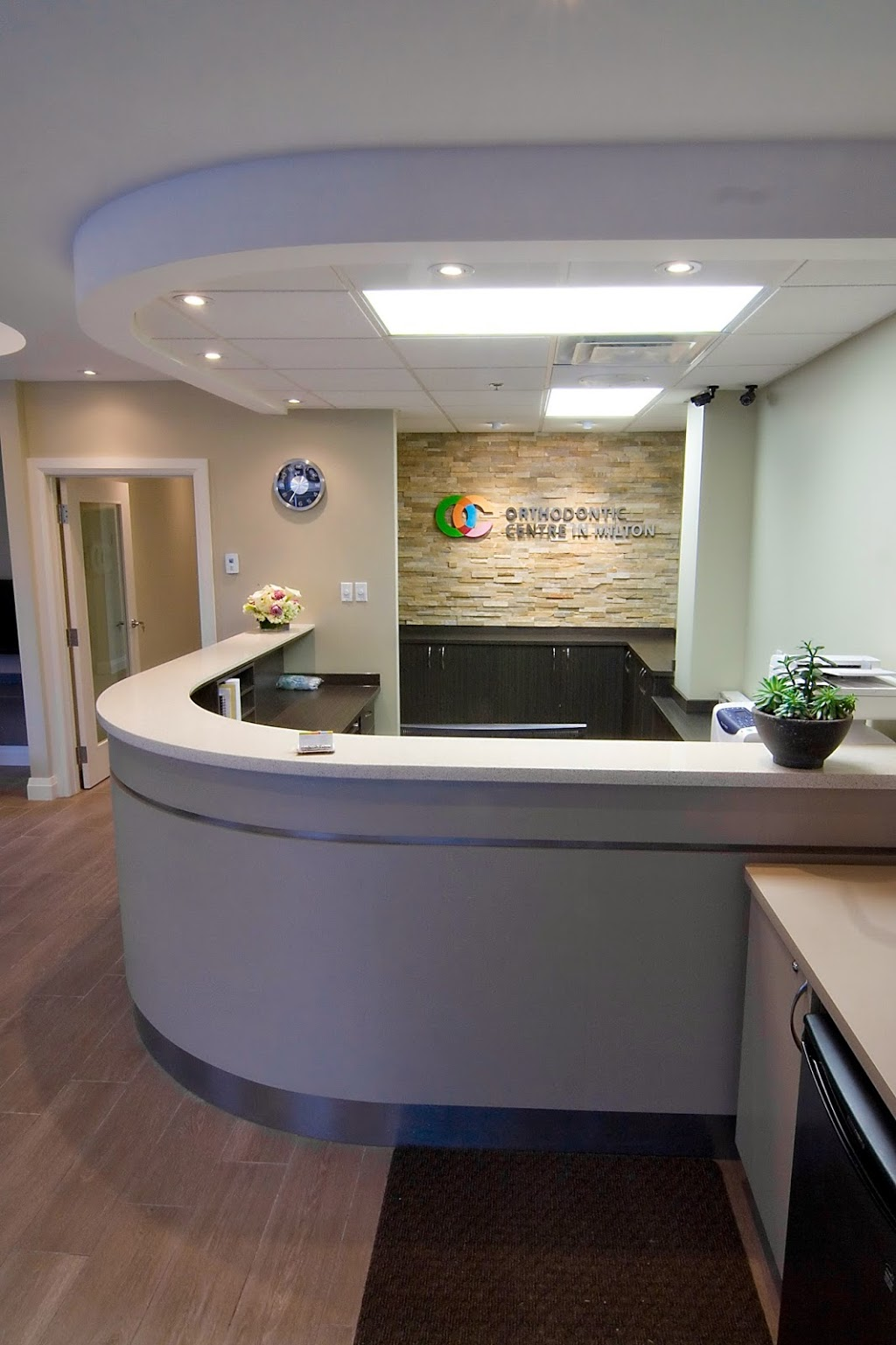 Orthodontic Centre In Milton | dentist | 336 Bronte St S, Milton, ON L9T 7W6, Canada | 9056369888 OR +1 905-636-9888