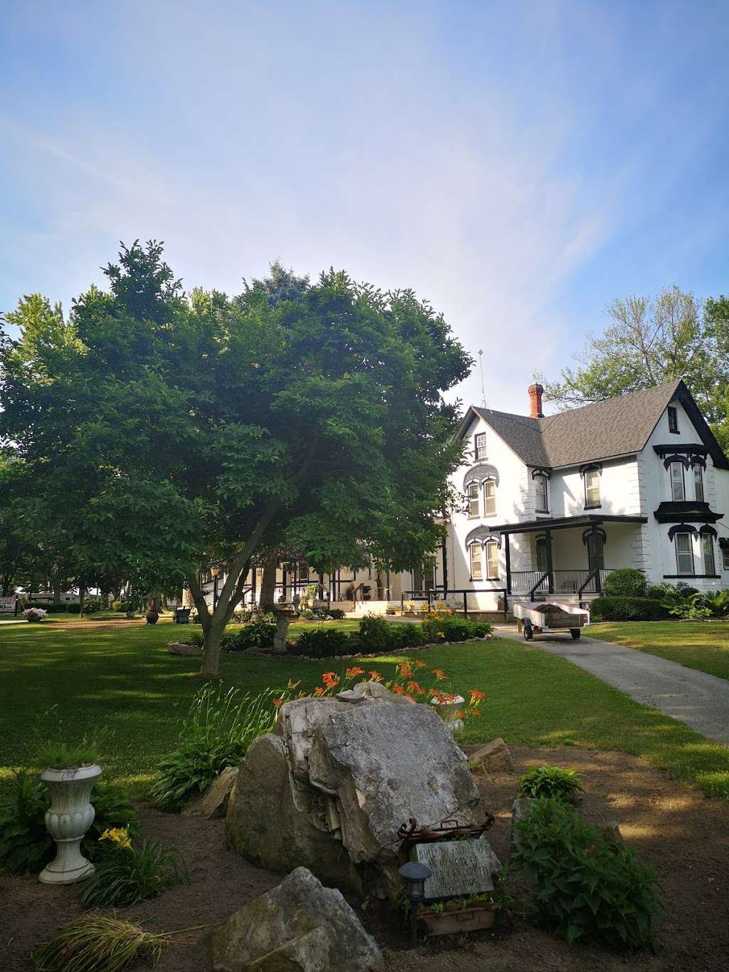 Ravine Cottages | lodging | 445 Essex County Rd 50, Harrow, ON N0R 1G0, Canada | 5197382620 OR +1 519-738-2620