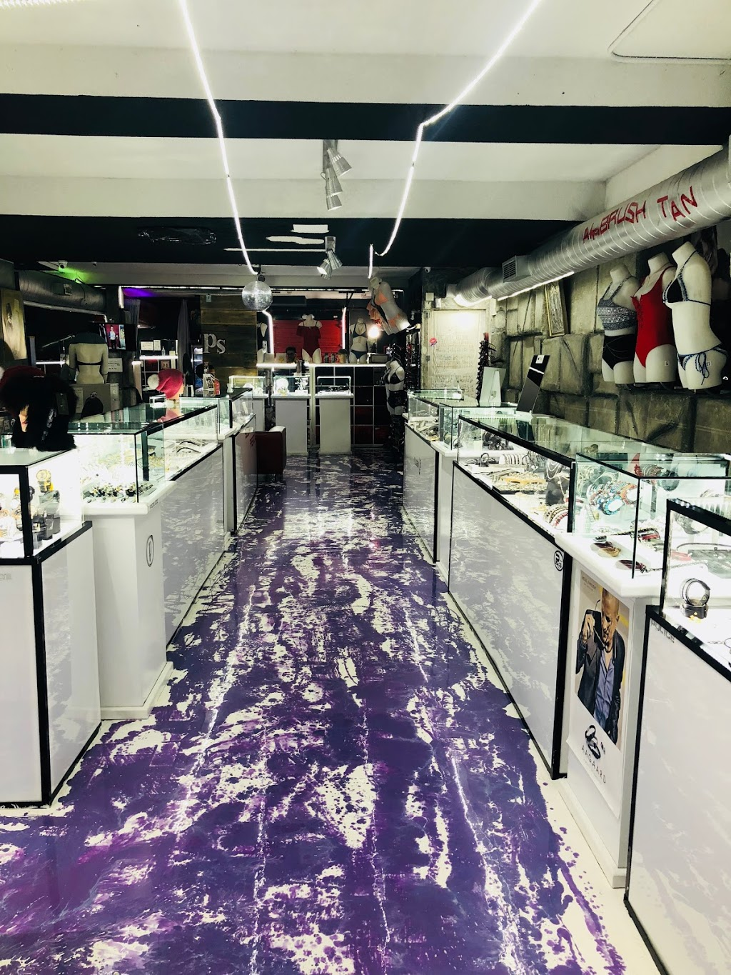 Planet Silver Jewellery,piercing & TiNy TaTToo Boutique | bakery | 8086 Islington Ave, Woodbridge, ON L4L 1W5, Canada | 9058501677 OR +1 905-850-1677