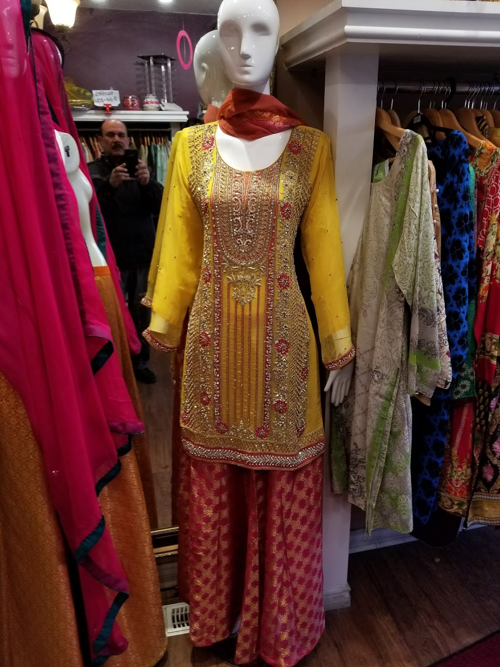Kohinoor Haute Couture | clothing store | 2623 Islington Ave, Etobicoke, ON M9V 2X4, Canada | 6473520195 OR +1 647-352-0195