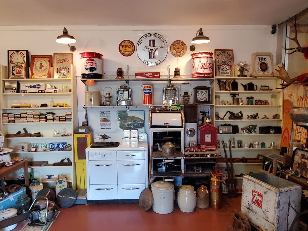 White Post Auto Museum & Antiques Mall | home goods store | Trans-Canada Hwy, Tappen, BC V0E 2X0, Canada | 2508352224 OR +1 250-835-2224
