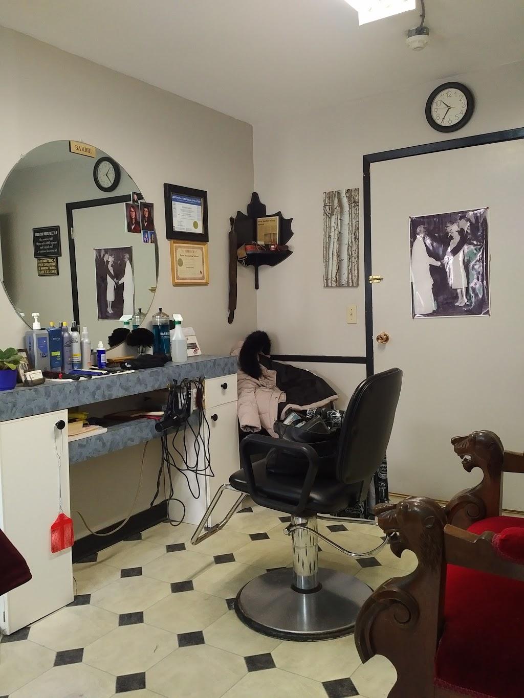 J & B Village Barber Shop | hair care | 42 Colborne St, Fenelon Falls, ON K0M 1N0, Canada | 7058872905 OR +1 705-887-2905