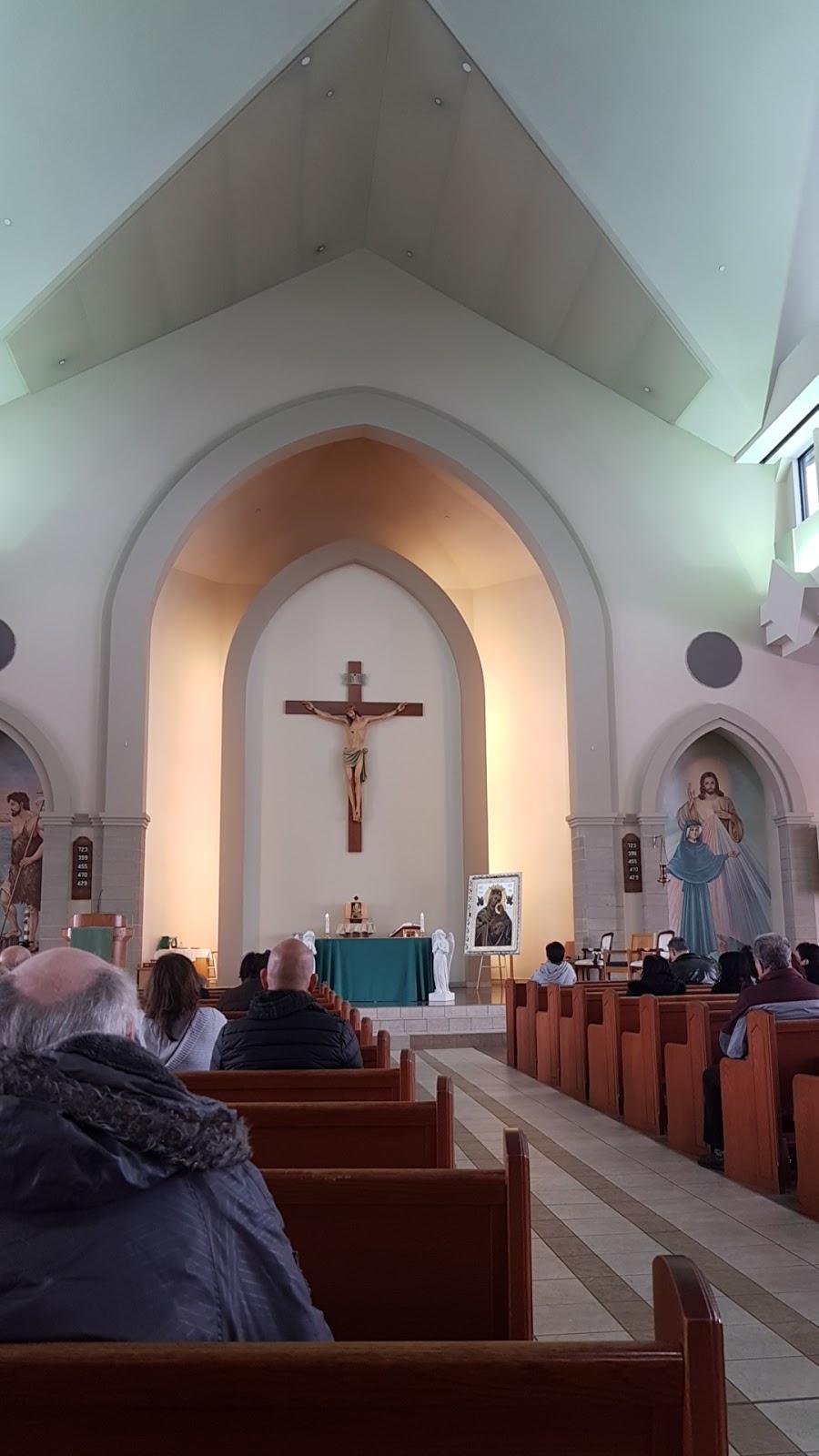 Merciful Redeemer Parish | church | 2775 Erin Centre Blvd, Mississauga, ON L5M 5W2, Canada | 9058120030 OR +1 905-812-0030