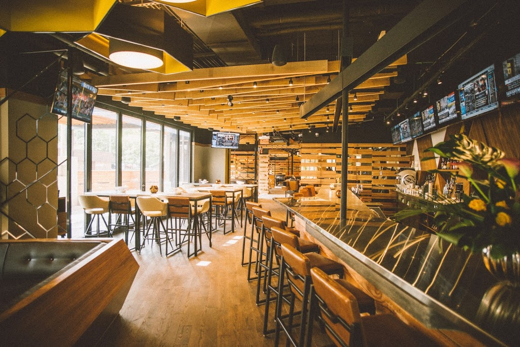 Proof Kitchen + Lounge | restaurant | 110 Erb St W, Waterloo, ON N2L 1T5, Canada | 5192083333 OR +1 519-208-3333
