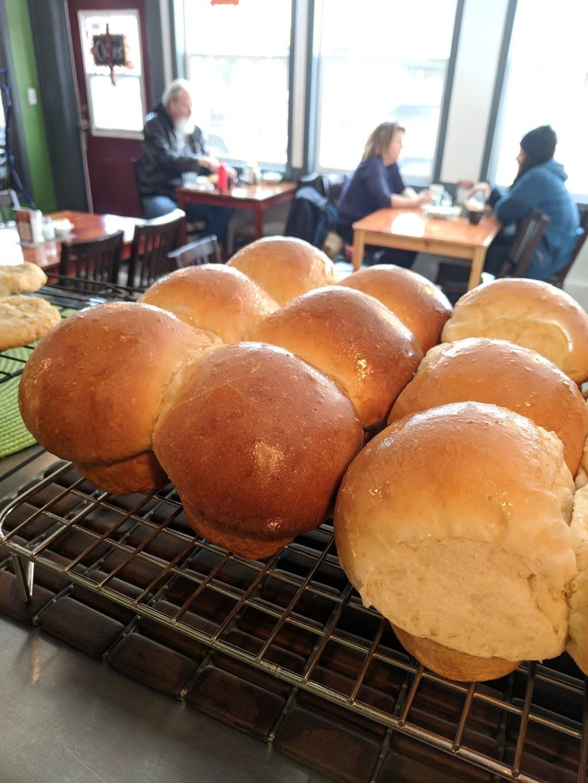 Hungry Jacks Cafe | cafe | 602 Cliff Ave, Enderby, BC V0E 1V0, Canada | 2508386811 OR +1 250-838-6811