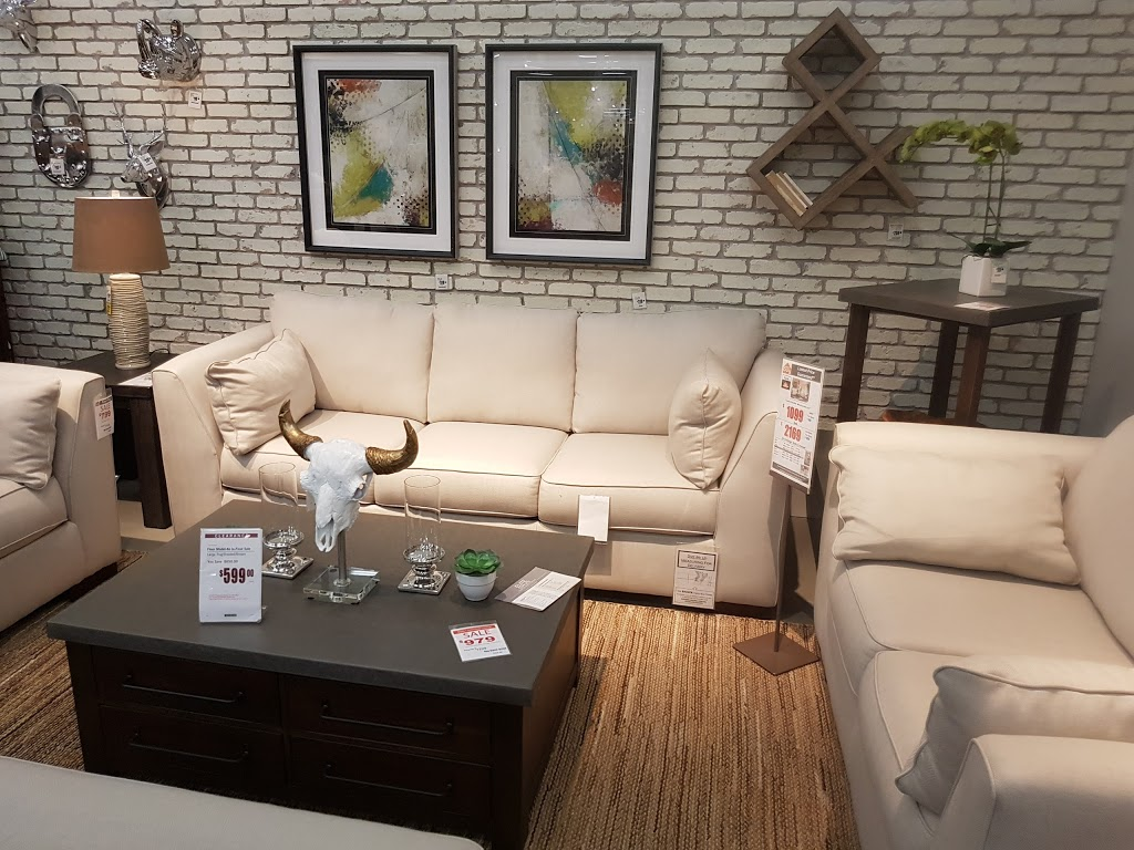 Ashley Furniture Home Store | furniture store | 1425 Sumas Way #106, Abbotsford, BC V2S 5W3, Canada | 6048649062 OR +1 604-864-9062