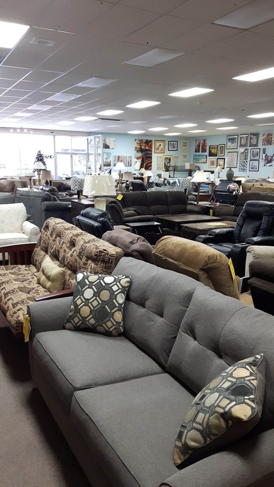 Main-West Furniture Appliances & Carpeting   furniture store   41 Main St W, Kingsville, ON N9Y 1H2, Canada   5197332311 OR +1 519-733-2311