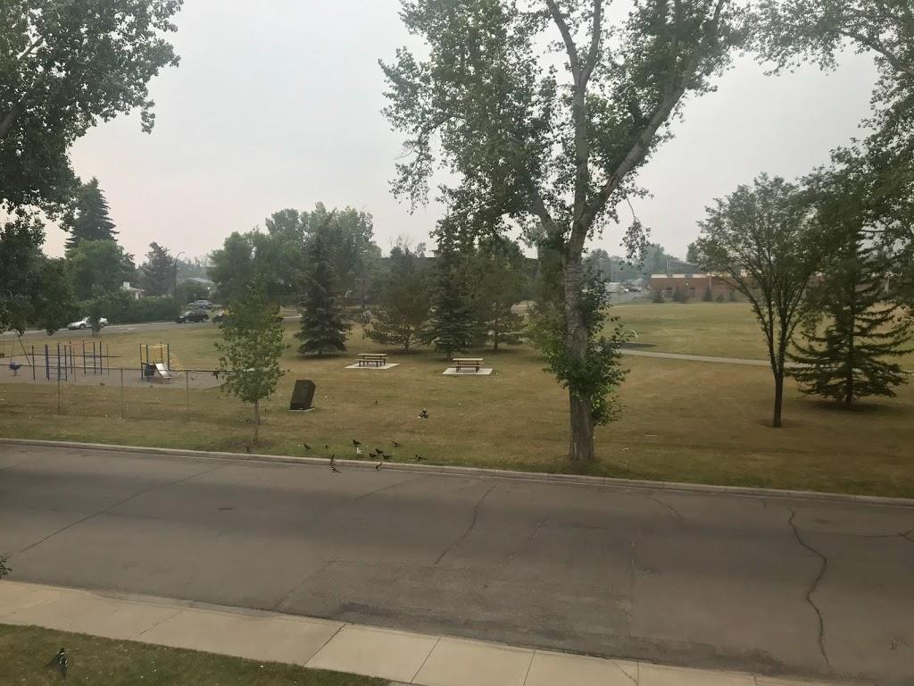 Munro Park | park | 425 18 Ave NE, Calgary, AB T2E 3L8, Canada