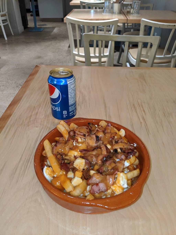 CHAROLAIS RESTO & CAFE | restaurant | 9 Avenue Vincent-DIndy, Outremont, QC H2V 4N7, Canada | 5143400100 OR +1 514-340-0100