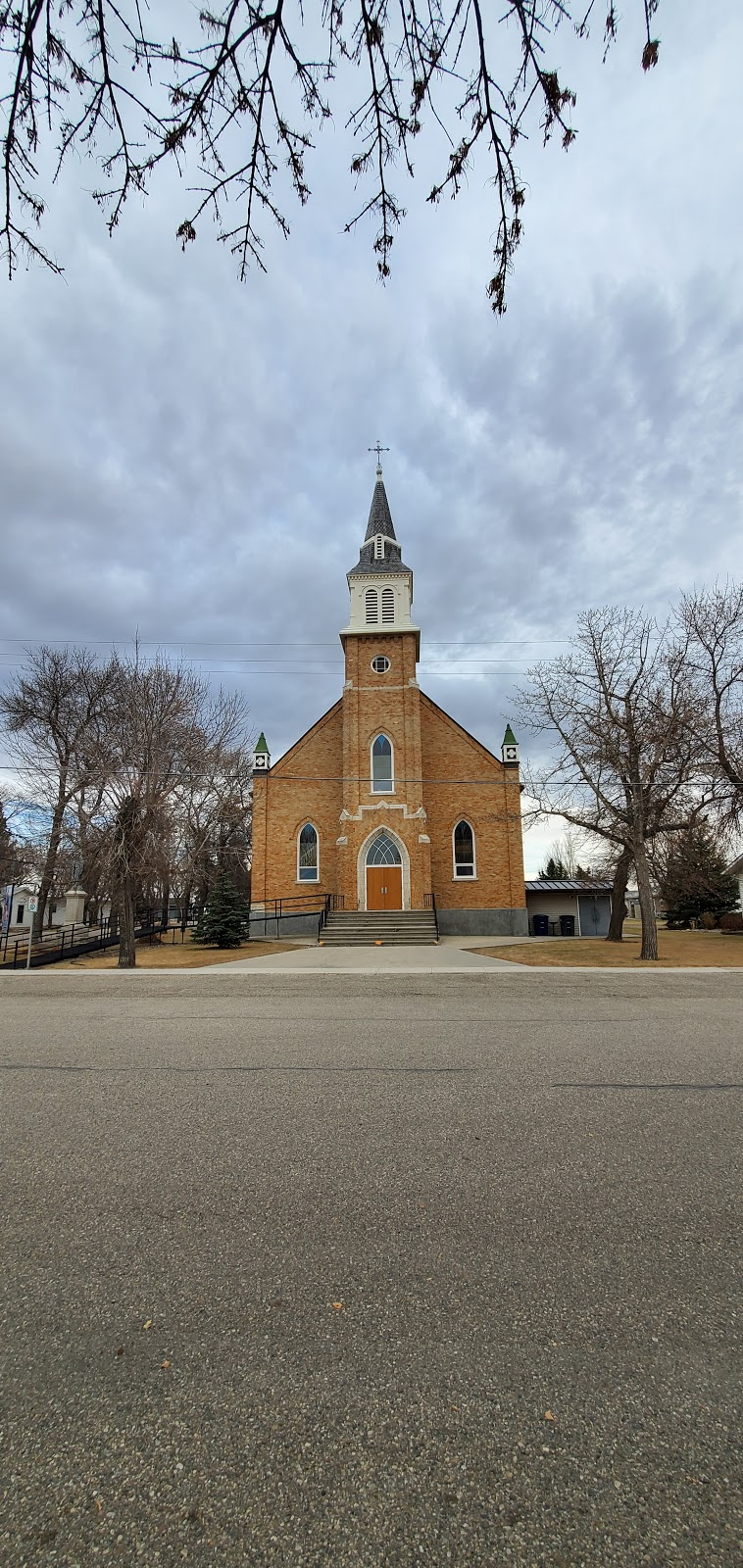 Sacred Heart Roman Cthlc Chr | church | 515 2nd St E, Montmartre, SK S0G 3M0, Canada | 3064242026 OR +1 306-424-2026