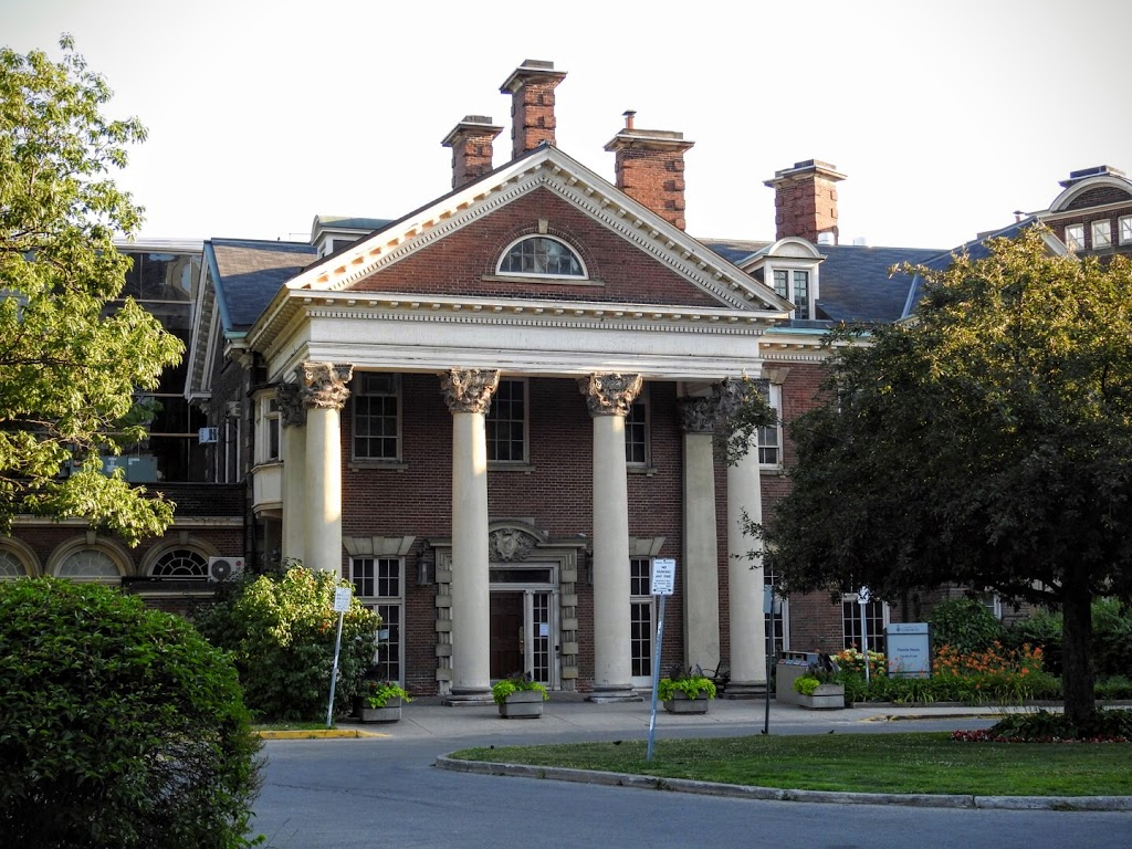 Bora Laskin Law Library | library | 78 Queens Park, Toronto, ON M5S 2C5, Canada | 4169781073 OR +1 416-978-1073