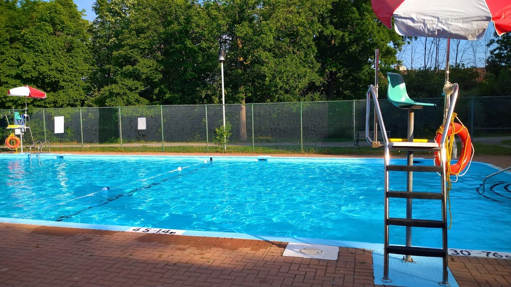 Driftwood Swimming Pool | point of interest | 4401 Jane St, North York, ON M3N 2K3, Canada | 4163956693 OR +1 416-395-6693