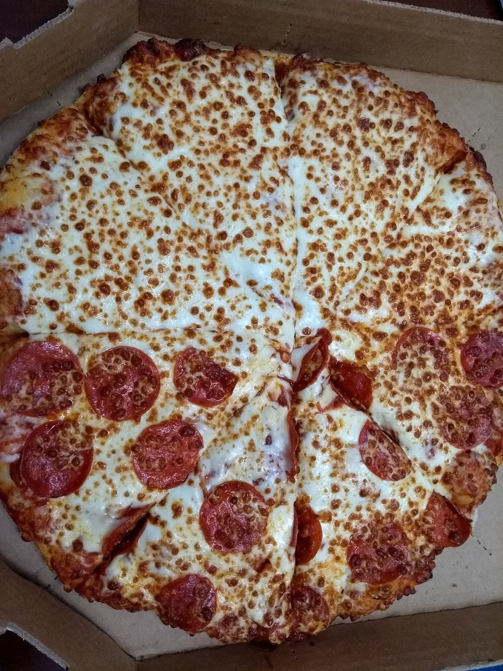 Dominos Pizza | meal delivery | 36 Main St E, Grimsby, ON L3M 1M9, Canada | 9059451300 OR +1 905-945-1300