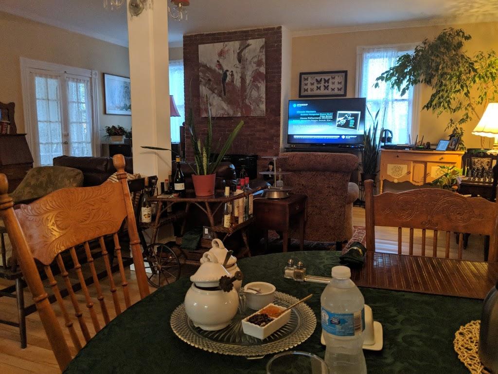 Mettawas End Bed & Breakfast | lodging | 64 Park St, Kingsville, ON N9Y 1N4, Canada | 5197334664 OR +1 519-733-4664