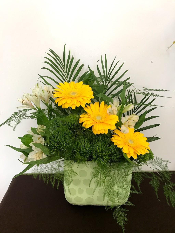 Trendy Petals   florist   5122 50 Ave, Lamont, AB T0B 2R0, Canada   5873569379 OR +1 587-356-9379
