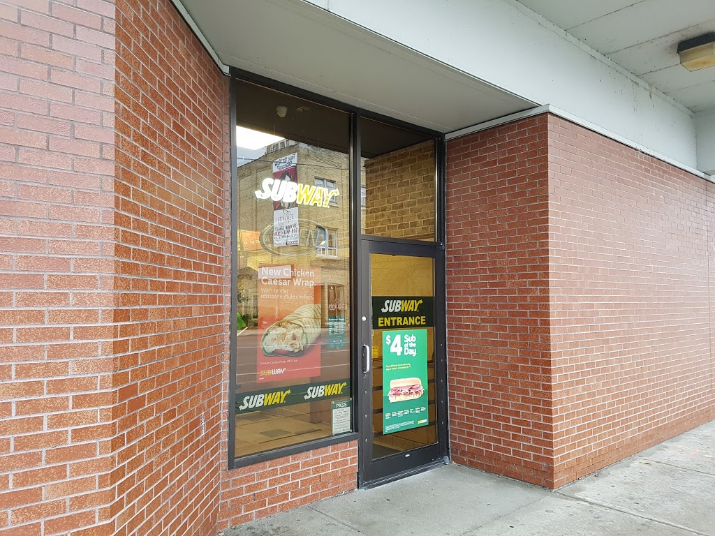Subway | restaurant | 95 101 York St Greyhound Bus Terminal, London, ON N6A 1A6, Canada | 5198583920 OR +1 519-858-3920