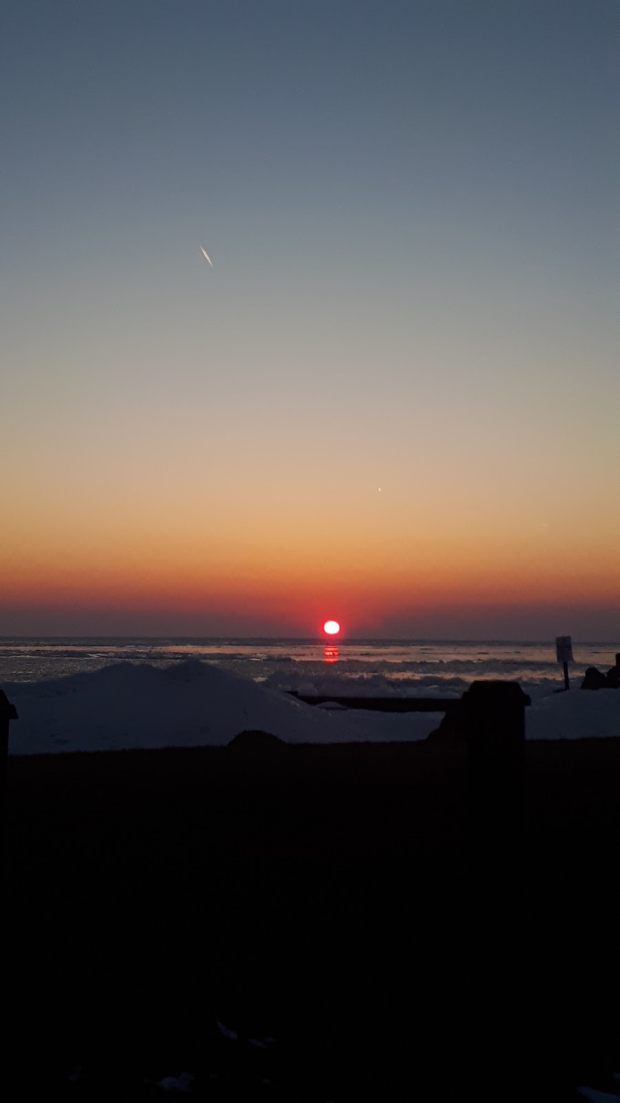 Another Sunset by the Bay | lodging | 728 Point Pelee Dr, Leamington, ON N8H 3V4, Canada | 5197960306 OR +1 519-796-0306