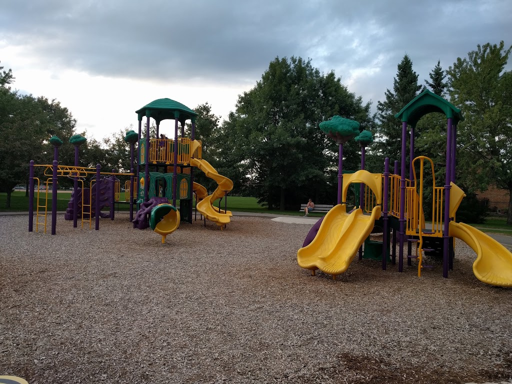Ferndale Park | park | 138 Ferndale Dr S, Barrie, ON L4N 6Y6, Canada