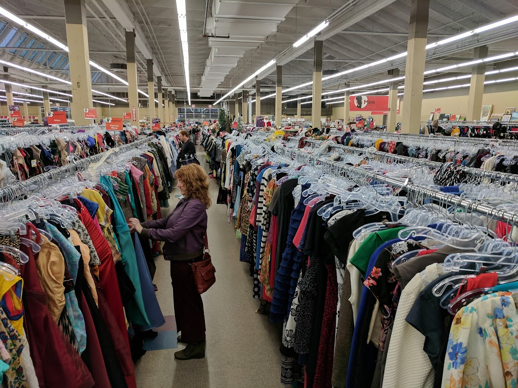 Value Village | book store | 1810 Store St, Victoria, BC V8T 4R4, Canada | 2503809422 OR +1 250-380-9422