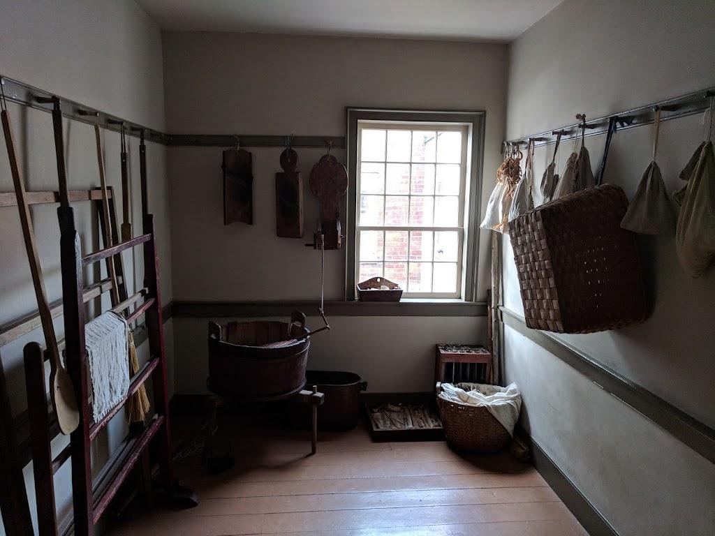 Schneider Haus National Historic Site | art gallery | 466 Queen St S, Kitchener, ON N2G 1W7, Canada | 5197427752 OR +1 519-742-7752