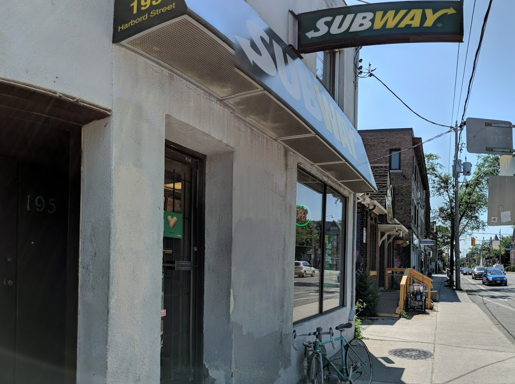 Subway | meal takeaway | 195 Harbord St, Toronto, ON M5S 1H6, Canada | 4165886664 OR +1 416-588-6664