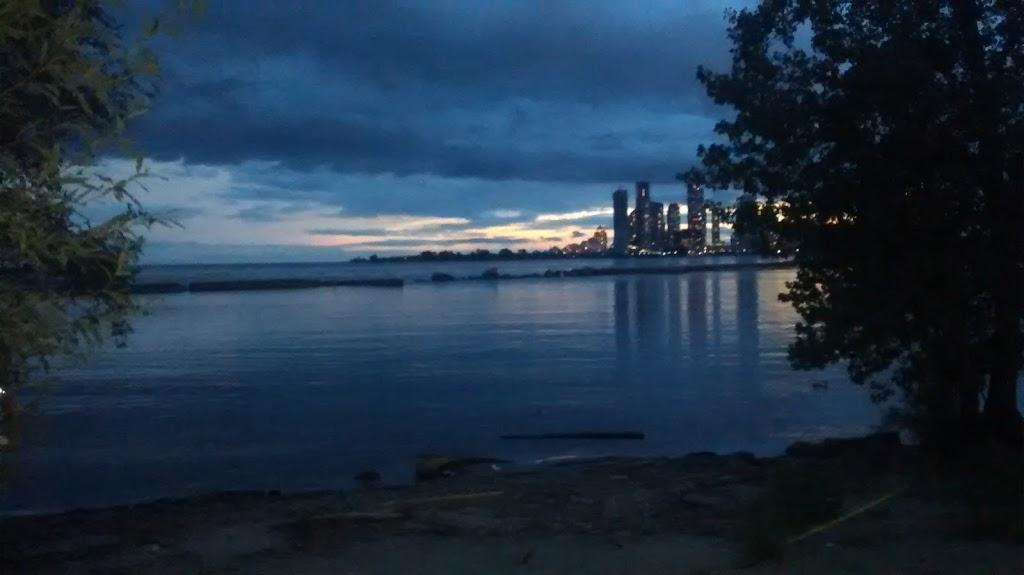 Lakeshore Park | park | 1440 Lakeshore Rd E, Mississauga, ON L5E 1E9, Canada