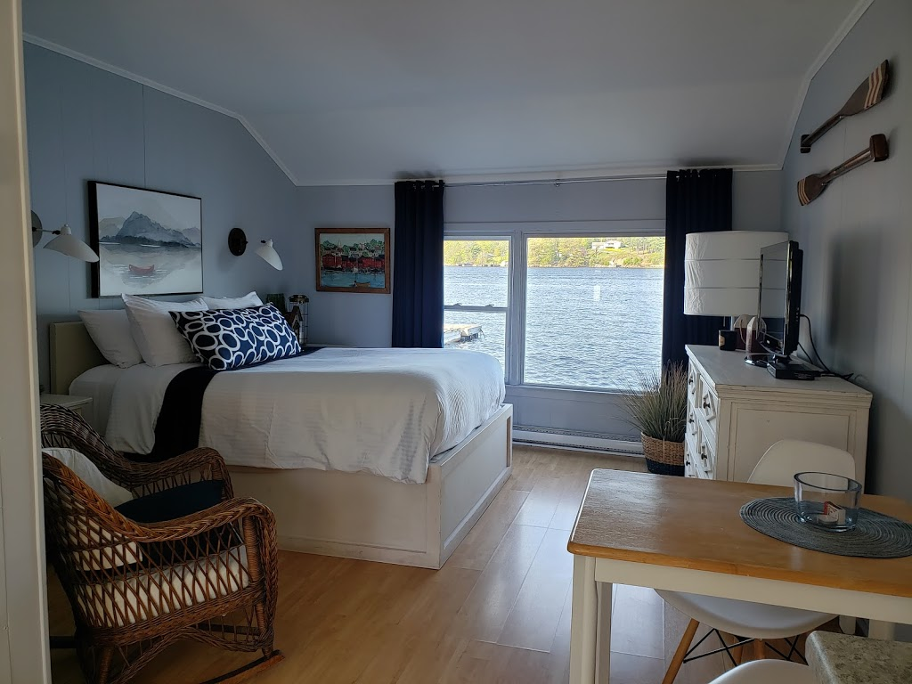Lighthouse Motel | lodging | 12 Charles William Dr, Pleasantville, NS B0R 1G0, Canada | 9025438151 OR +1 902-543-8151