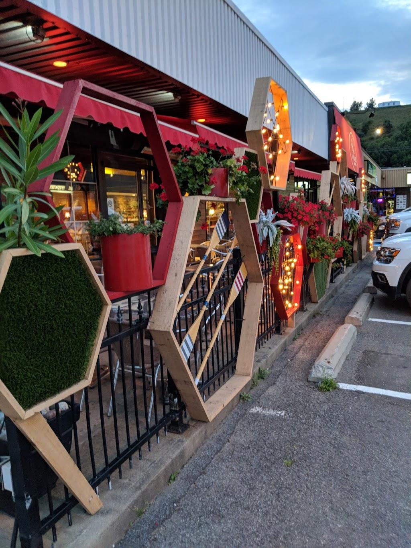Le Marie Beaupré - Breakfast - Pizza Burgers Steak - Wine Beer | restaurant | 9749 Boulevard Sainte-Anne # 110, Sainte-Anne-de-Beaupré, QC G0A 3C0, Canada | 4188273446 OR +1 418-827-3446