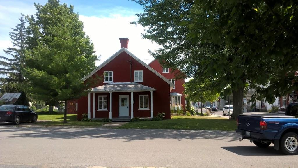 Maison nouvelle Acadie | museum | 98 Rue Saint-Jacques, Saint-Jacques, QC J0K 2R0, Canada | 4508393671 OR +1 450-839-3671