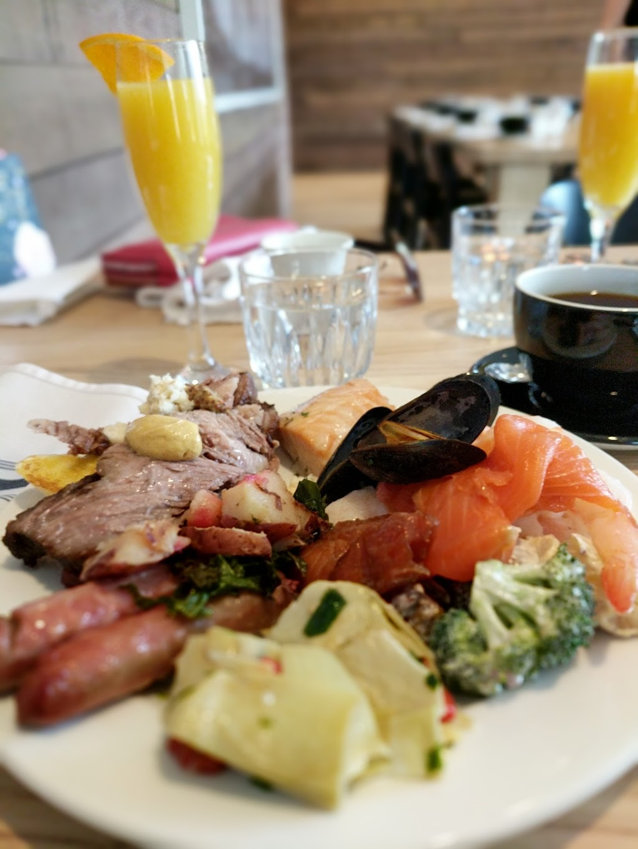 SMITH Restaurant   restaurant   75 Forks Market Rd, Winnipeg, MB R3C 0A2, Canada   2049442445 OR +1 204-944-2445