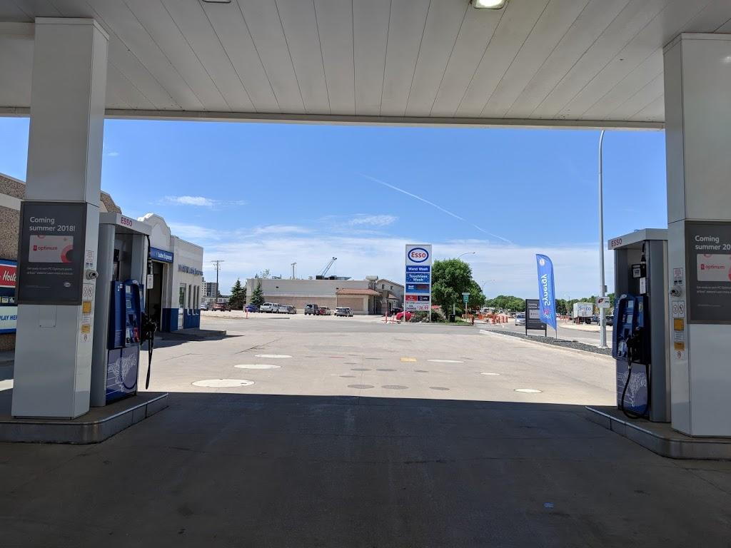 Esso   gas station   1330 Taylor Ave, Winnipeg, MB R3M 3Y1, Canada   2042840610 OR +1 204-284-0610