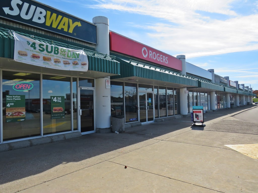 Subway | meal takeaway | 875 Highland Rd W #154a, Kitchener, ON N2N 2Y2, Canada | 5195783333 OR +1 519-578-3333