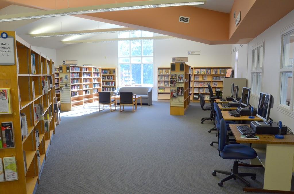 Ottawa Public Library - Stittsville | library | 1637 Stittsville Main St, Stittsville, ON K2S 1A9, Canada | 6135802940 OR +1 613-580-2940