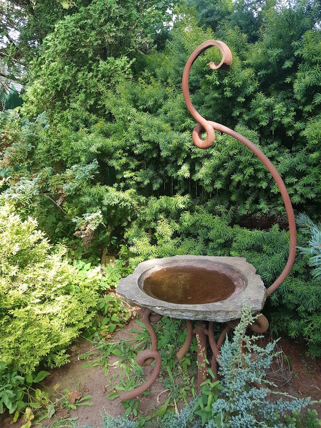 Quiet garden | park | 654 Main St, Wolfville, NS B4P 1T9, Canada | 4167677491 OR +1 416-767-7491