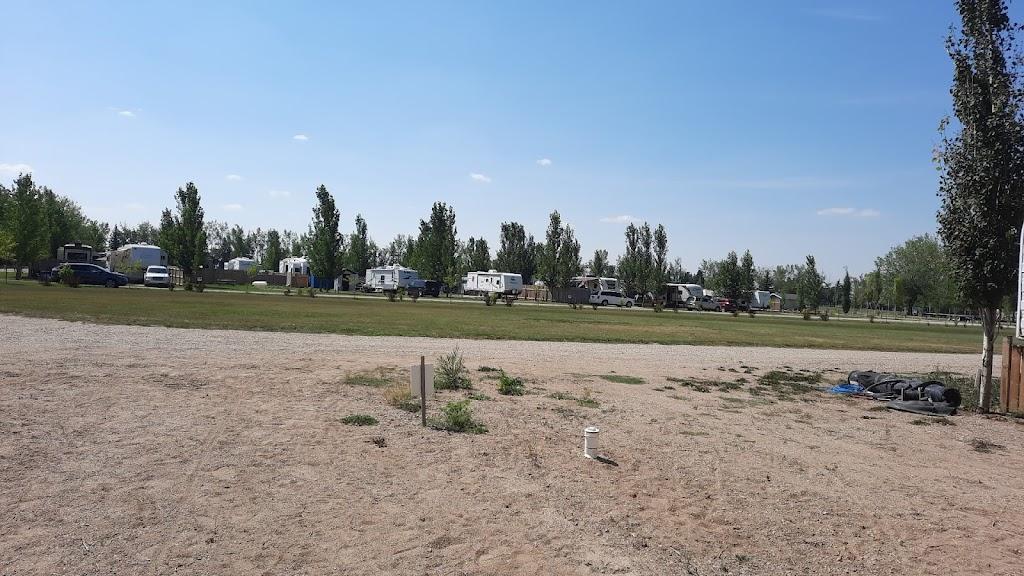 Kemoca Regional Park Campground | campground | 421 Central Aveune, Montmartre, SK S0G 3M0, Canada | 3064247275 OR +1 306-424-7275
