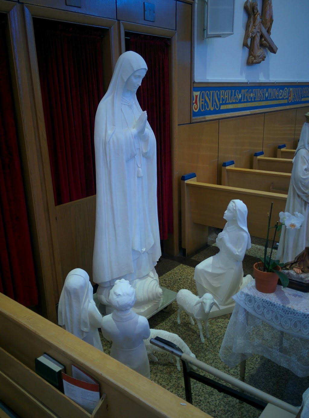 Our Lady of Fatima Shrine | church | 3170 St Clair Ave E, Scarborough, ON M1L 1V6, Canada | 4167572806 OR +1 416-757-2806